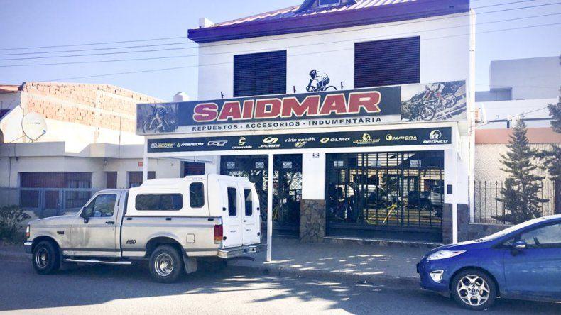 El año pasado también asaltaron la bicicletería Saidmar. Esta vez el delincuente golpeó al comerciante en la cabeza y se llevó una bicicleta valuada en unos 65 mil pesos.