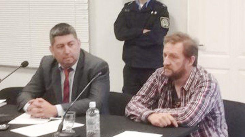 El secretario general de ATECh fue imputado por atentado y resistencia a la autoridad