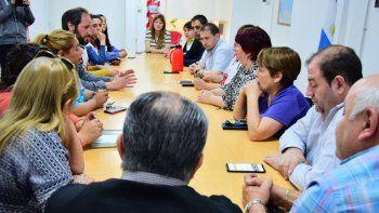 Referentes de los docentes de Comodoro se reunieron con concejales