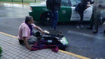 Indignación por carabinero que deja sin su silla de ruedas a un hombre