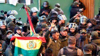 Renunció el ministro de Defensa de Bolivia