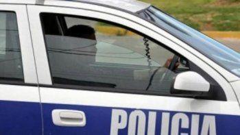 lo encontraron desnudo con una nena de cinco anos en un auto