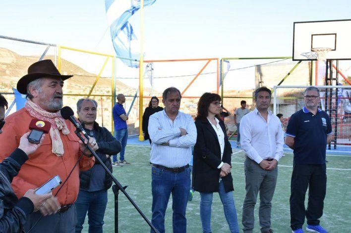 El barrio San Cayetano celebró la inauguración de su playón deportivo - El Patagónico