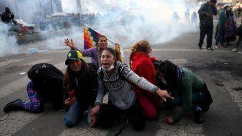 se profundiza la crisis en bolivia y ya se cuentan ocho muertos