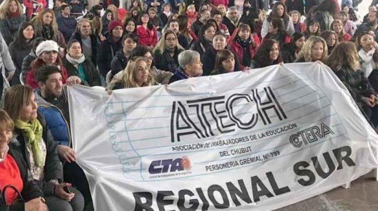 Docentes de Comodoro Rivadavia y Puerto Madryn rechazaron la oferta de Provincia para volver a las aulas - El Patagónico