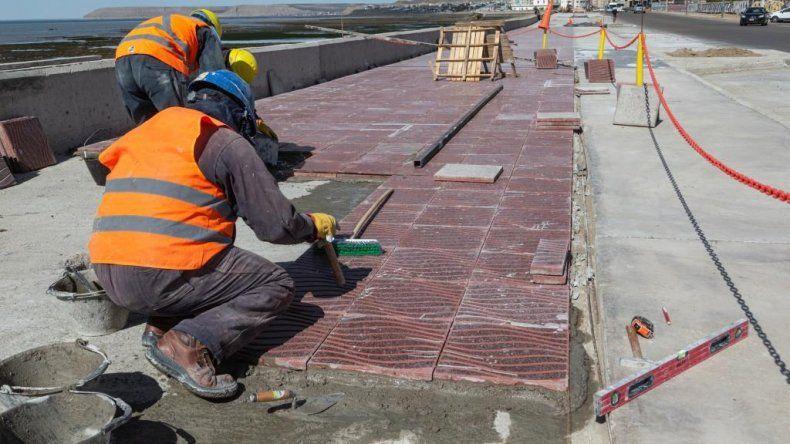 La remodelación del Paseo Costero de Ducós estará lista para el verano