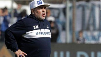 Maradona dejó de ser el técnico de Gimnasia