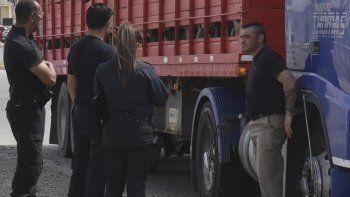 El irascible caminero fue interceptado por la policía en la avenida Eva Perón, siendo conducido al Hospital Zonal donde se le practicó un dosaje de sangre.