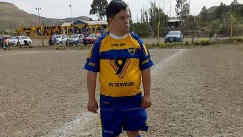 Emotivo debut en Talleres de un futbolista con discapacidad