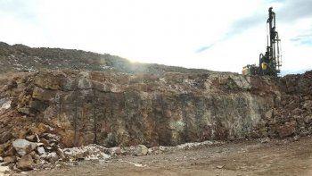 descubren alto grado de oro y plata en yacimiento minero de santa cruz