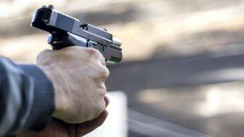 Asaltan con armas en una casa del barrio Petroleros