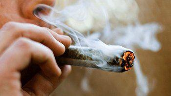 Pagan 3 mil dólares por mes por fumar marihuana