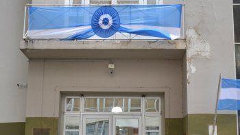 Empleados del municipio piden un aumento urgente y un bono de 15 mil pesos.