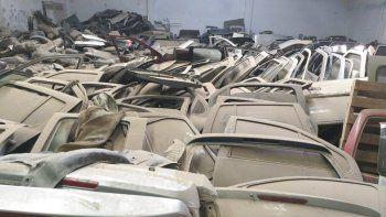 Numerosos autopartes fueron secuestrados en los depósitos clandestinos.