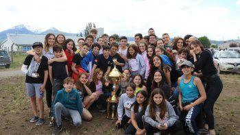 huergo conquisto el tricampeonato provincial de natacion