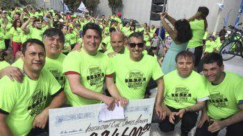 la caminata y bicicleteada solidaria de la anonima  reunio $334.600 para la asociacion somos azules