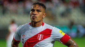 Boca ya contactó al representante de Paolo Guerrero
