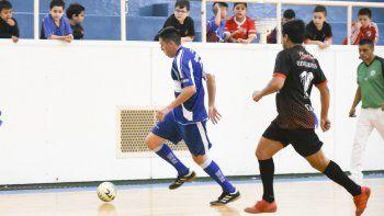 El fútbol de salón oficial continuará con su definición hoy y mañana en el gimnasio municipal 1.