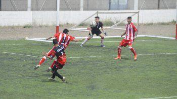 Deportivo Roca es uno de los equipos que lucha por zafar de jugar la reválida.