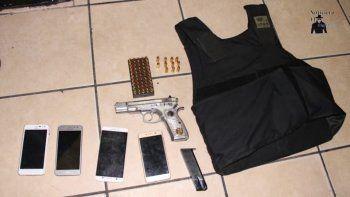 Mujer policía detenida por facilitar arma y chaleco a su novio ladrón