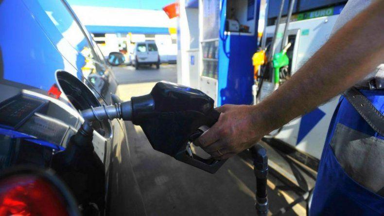 El litro de nafta super pasó a costar más de 48 pesos