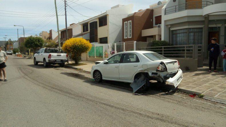 Conducía borracho y estrelló su BMW en el Pueyrredón