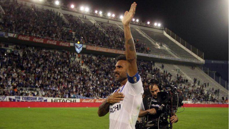 Vélez ganó en la despedida de Cubero