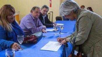 Apertura de licitaciones de obras para ocho barrios de zona norte y sur