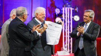 alberto confirmo a gines gonzalez garcia como ministro de salud