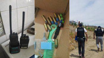 en allanamientos por tentativa de homicidio secuestraron marihuana, balas y radios policiales