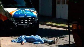 mataron a un joven en una pelea y arrojaron el cuerpo frente a una ambulancia