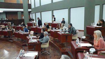 aprobaron la ley de ministerios: incidentes entre policia y manifestantes