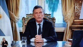 La cadena nacional despedida de Macri desató miles de críticas