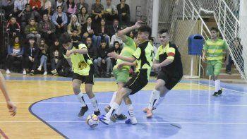 Se disputarán 19 partidos entre hoy, el lunes y el martes en el gimnasio del barrio Pueyrredón.