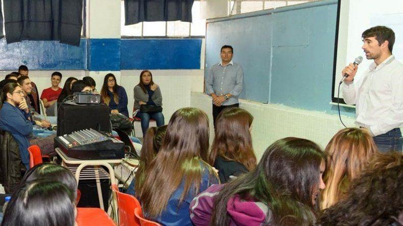 El Programa Lazos se desarrolló en cinco escuelas secundarias de Comodoro Rivadavia.