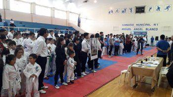El taekwondo le brindó un emotivo homenaje al maestro Rodolfo Nacer.