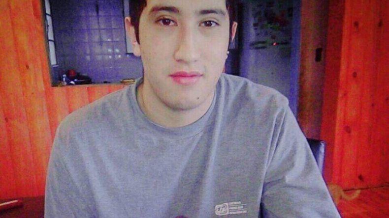 Adrián Fernández murió por asfixia e investigan a su círculo íntimo