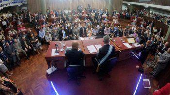 mariano arcioni asumio su segundo mandato como gobernador de chubut