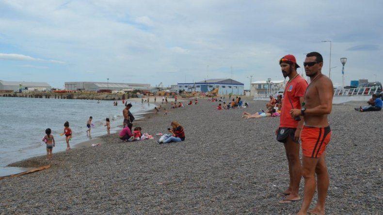 Hasta el 31 de marzo 42 guardavidas brindan seguridad en las playas