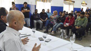 A dos días de asumir funciones, el intendente electo Fernando Cotillo mantuvo ayer una extensa reunión con miembros de comisión directiva y cuerpo de delegados del SOEMCO.