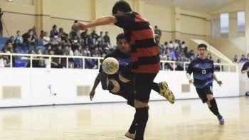 Flamengo volvió a ganarle a Transporte Caamaño y es uno de los finalistas del torneo Clausura.