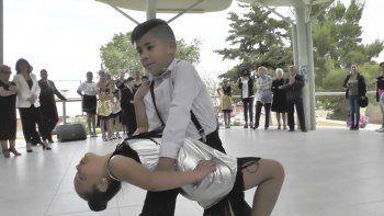 Chicos y grandes se sumaron a la conmemoración del Día Nacional del Tango.