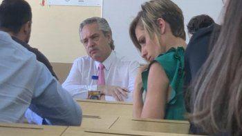 Alberto Fernández fue a la Facultad de Derecho a tomar examen