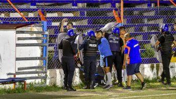 En un partido de fútbol le fracturaron la cabeza a la mamá de un jugador