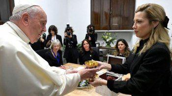 el papa recibio a fabiola y brego por una america latina unida