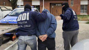 El presunto autor de la puñalada fue detenido por personal de la DDI y alojado en calabozos de la Comisaría Seccional Segunda.