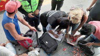 Personal policial y de Seguridad Municipal secuestraron cientos de cajas de petardos y otros fuegos de artificio.