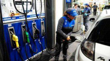 Este lunes YPF aumenta un 5 por ciento el precio de los combustibles