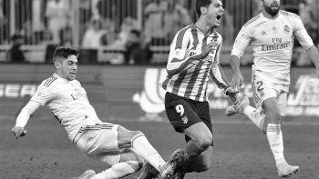 La patada de Valverde a Morata que es furor en las redes