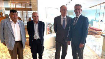 avila se reunio con el gobernador y el presidente de ypf